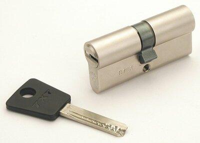 Mul-T-Lock 7x7 dubbele cilinder SKG**